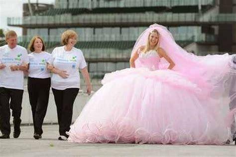 Big Gypsy wedding dress designer backs alzheimer's memory