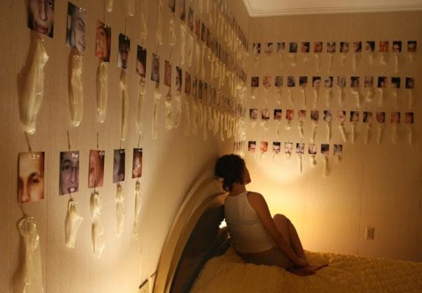 Koleksi kondom bekas