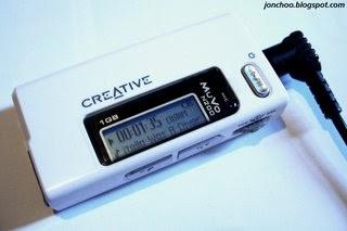 jonchoo: Product Review: Creative MuVo Micro N200 1GB