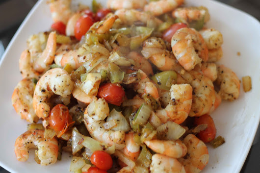 Shrimp and Veggies all in One Pot! Perfect for Lunch or Dinner