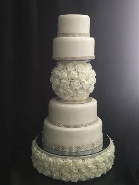 Vintage Pearl style rose ball separator and wedding cake
