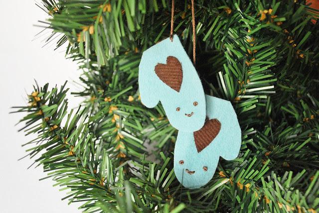 mitten ornament!