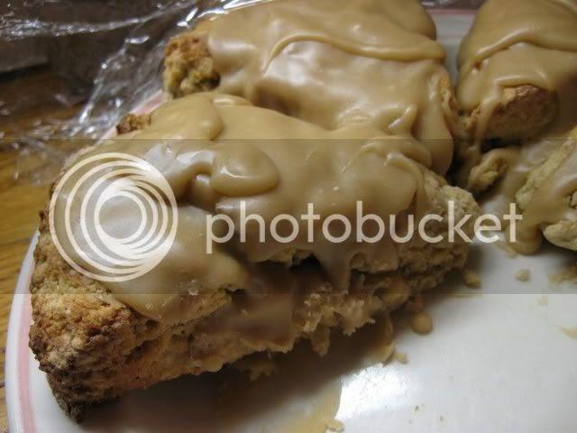 Cook Like There's No Tomorrow: Maple Walnut Glazed Scones