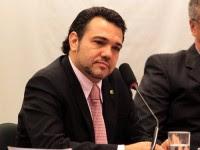 """Pastor Marco Feliciano diz que há mais de 900 projetos de lei no Congresso """"que ameaçam a família e a igreja"""" no Brasil"""