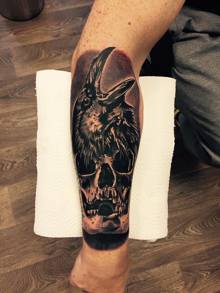 Rabe Totenkopf Tattoo Bedeutung
