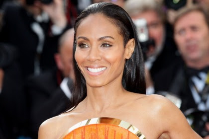 Jada Pinkett-Smith Shares Nude Photo on Facebook