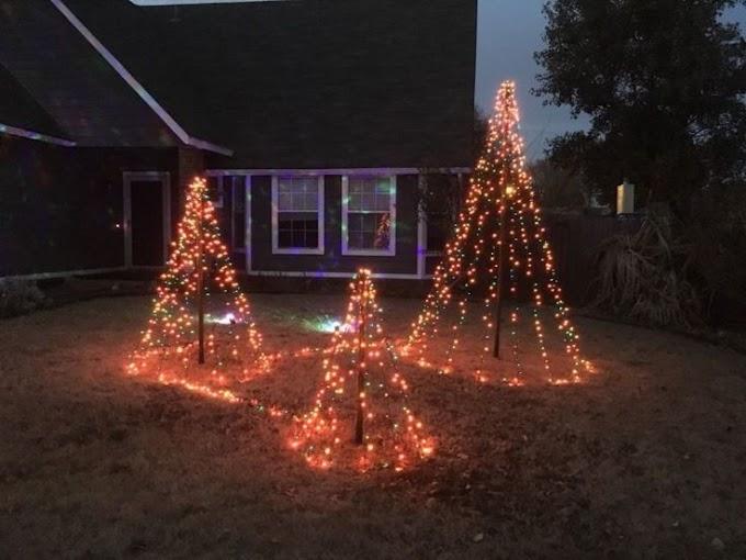 Simple Christmas Decor Outdoor Lights