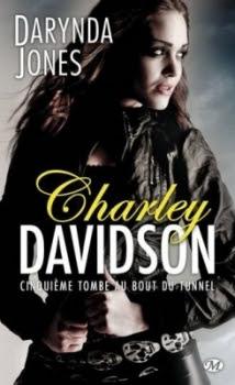 Couverture Charley Davidson, tome 05 : Cinquième tombe au bout du tunnel
