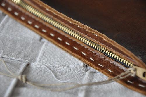 zip close up