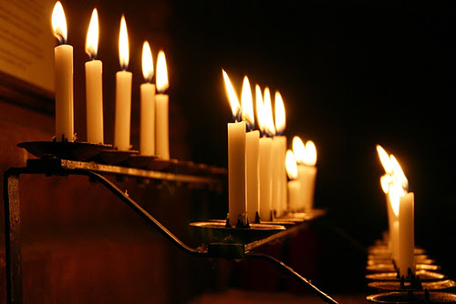 19 Peaceful Pictures of Church Candles
