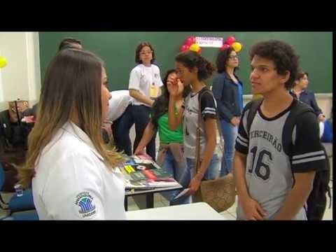 Giro de Profissões da Uniderp reúne alunos de diversas escolas do ensino médio