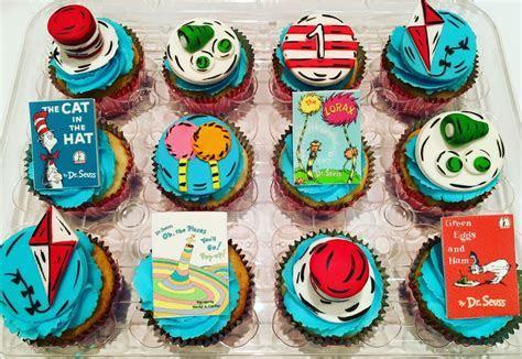 MyMoniCakes: Topsy Turvy Wonky Dr Seuss Cake. Dr Seuss