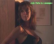 Julia Palha sensual em lingerie e biquini na novela A Herdeira