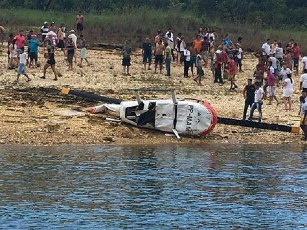 Aeronave caiu segundos após decolagem, como informou o Corpo de Bombeiros (Foto: Júnior Oliveira/Arquivo Pessoal)