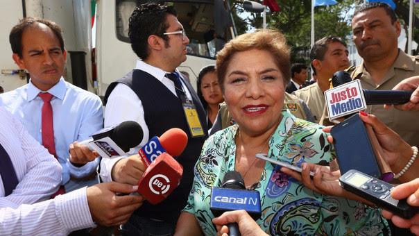 Tras una reunión de emergencia de la Junta de Portavoces convocada por la presidenta del Poder Legislativo, Luz Salgado, las fuerzas políticas del Parlamento reafirmaron, a través de un pronunciamiento, su compromiso con la democracia.