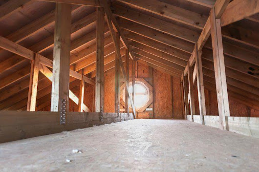 How to Clean and Declutter Your Attic in 7 Simple Steps - Crawl Space Cleaning
