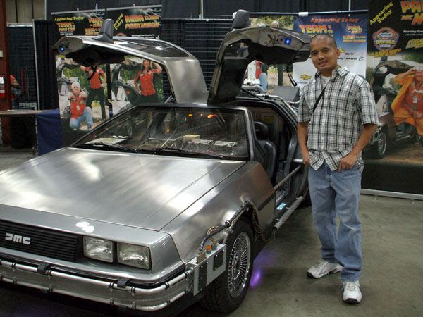 Posing in front of the DeLorean. (Some people JUST DON'T know how to take pictures.)