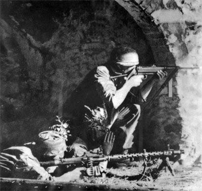Fallschirmjager in Italy