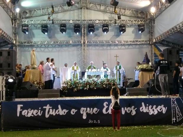Queremos Deus tem missa celebrada pelo arcebispo de Fortaleza (Foto: PJ Lopes/TV Verdes Mares)