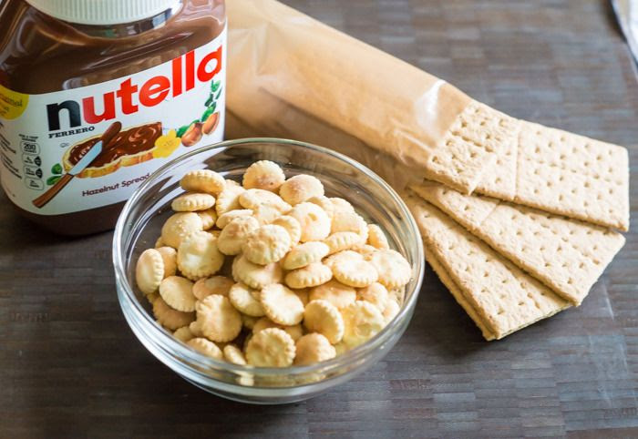 No-Bake Nutella Cracker Bars