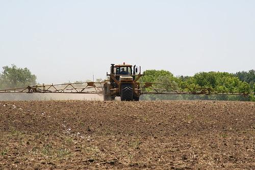 Liquid fertilizer application