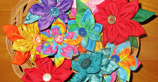 Sew Easy Fabric Flower Pins for Bags, Hats, Hair, Gifts and More | SewingMachinesPlus.com Blog