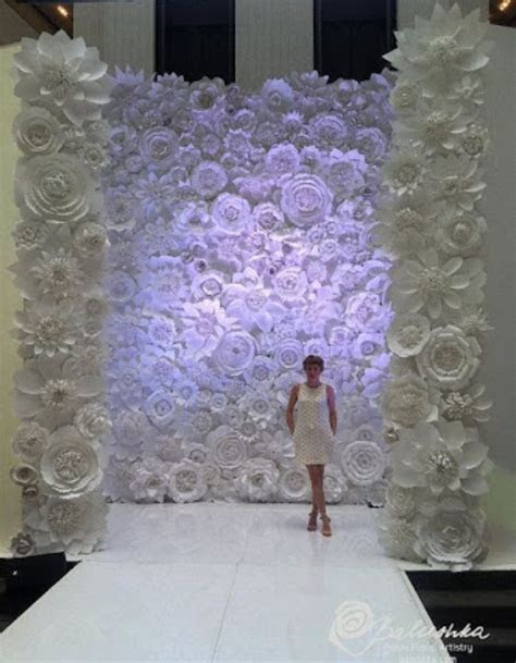 Flower paper wall backdrop for wedding   CEREMONY DESIGNS