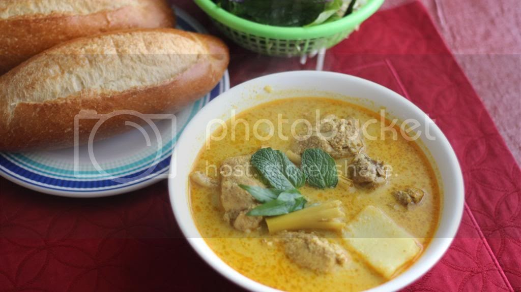 : Ca Ri Ga (Vietnamese Chicken Curry with Bread or Noodles) Cari Ga ...
