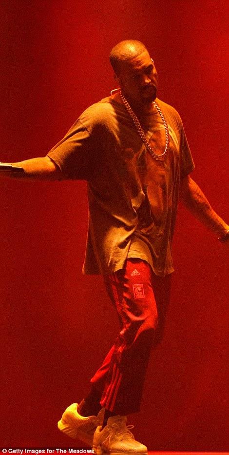 O marido de Kim Kanye West foi dito do ataque no meio de uma performance na Meadows Music and Art Festival, em Nova York, na foto.  Ele imediatamente parou o show