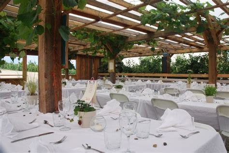 Gatzke Orchards in Oyama, BC   ~Okanagan Wedding Venues