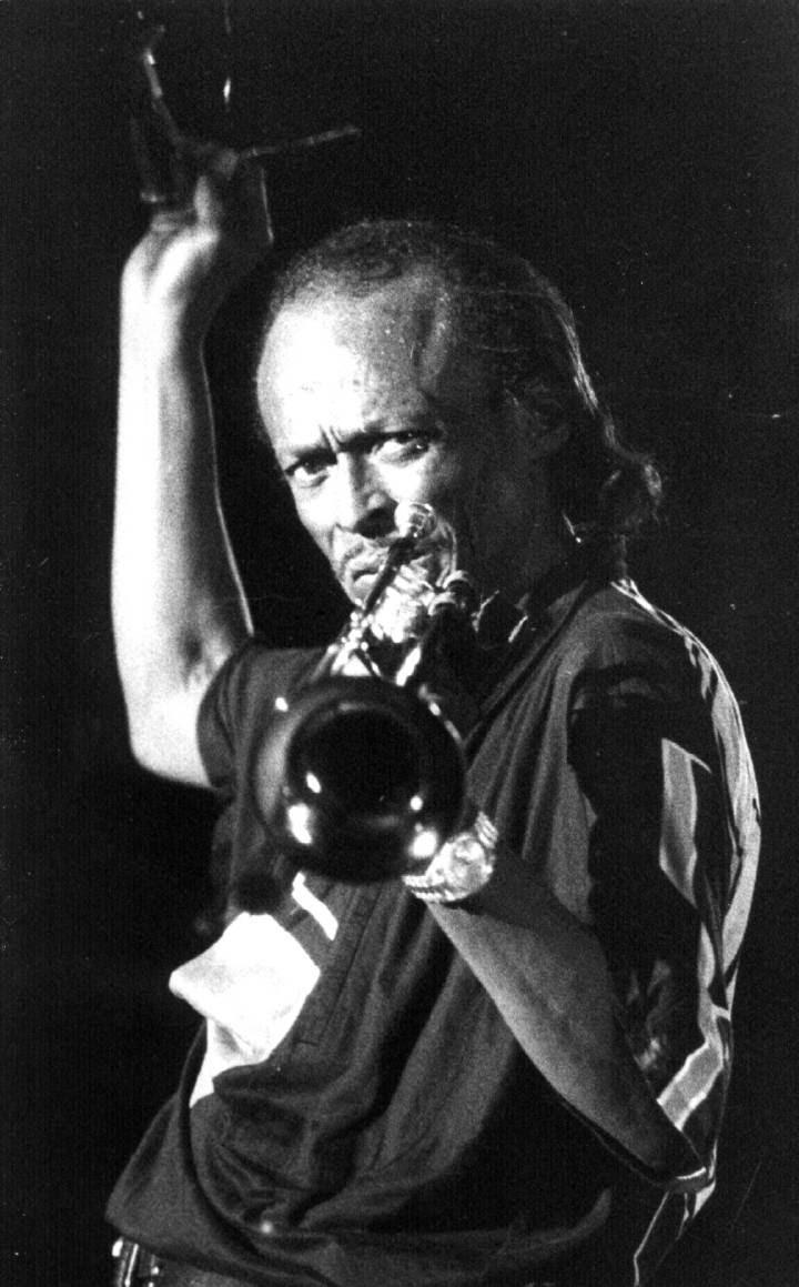 Miles Davis, durante um show em Sevilha, em 1985.