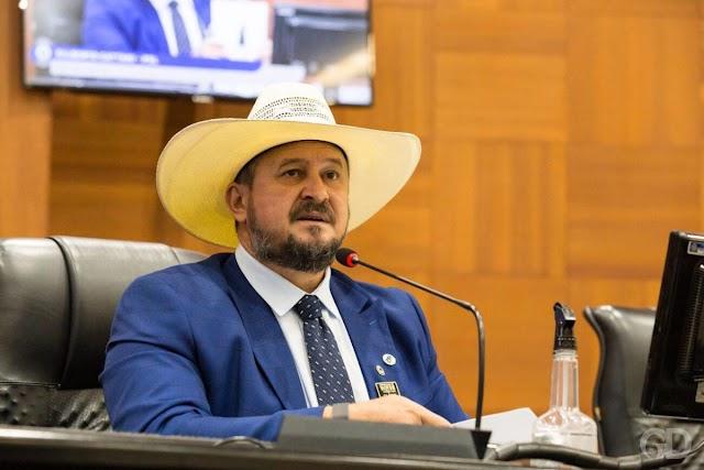 Deputado Gilberto Cattani quer barrar comprovante de vacinação em Mato Grosso