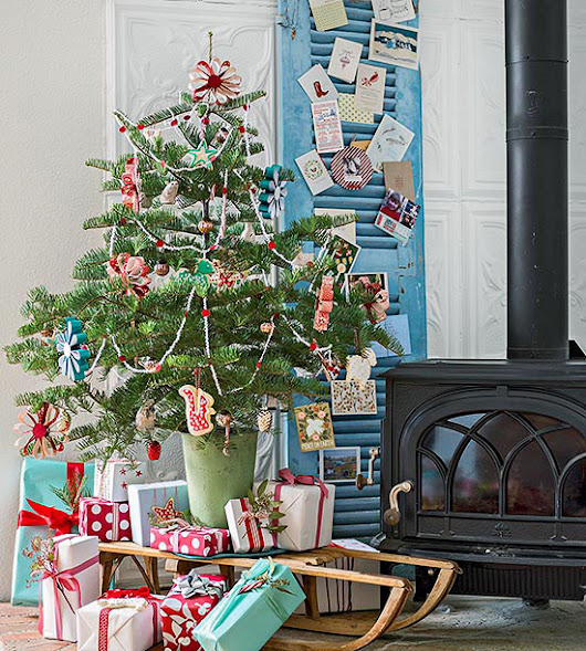 Pretty Holiday Decorating Ideas for Even the Smallest Spaces