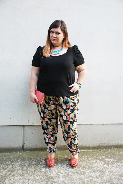 outfit floreale e corallo6