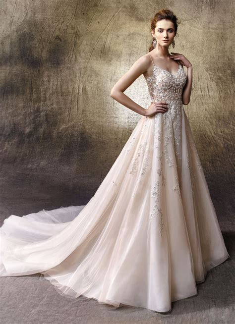 How to Shop for Your Dream Wedding Dress