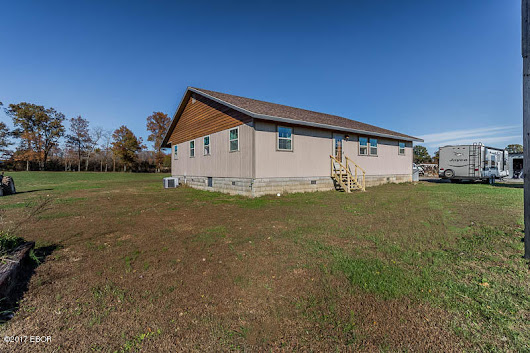 18202 Perry Pittsburg, IL. | MLS# 417086 | House 2 Home Realty (618) 997-4663 Marion IL Homes for Sale, House 2 Home Realty specializes in Homes, and Listings representing both Home Buyers and Home Sellers. Marion, IL, Carterville, IL, Lake of Egypt