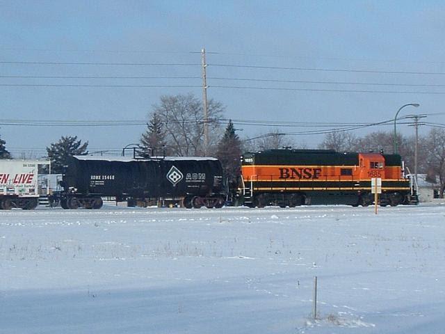 BNSF 1685 in Winnipeg, 2004/12/28