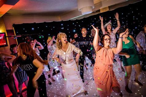 Wedding flash mob: how to make yours memorable   Easy