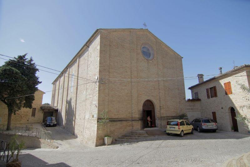 Risultati immagini per chiesa medievale di San Michele treia