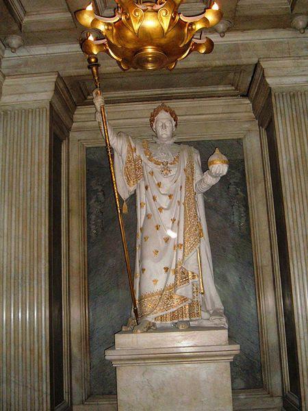 Archivo: Napoleon estatua - tumba de Napoleón II.jpg