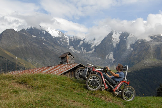 Swincar Spider, An Extremely Nimble Off-Road Ecological Electric Car With Flexible Tilting Technology
