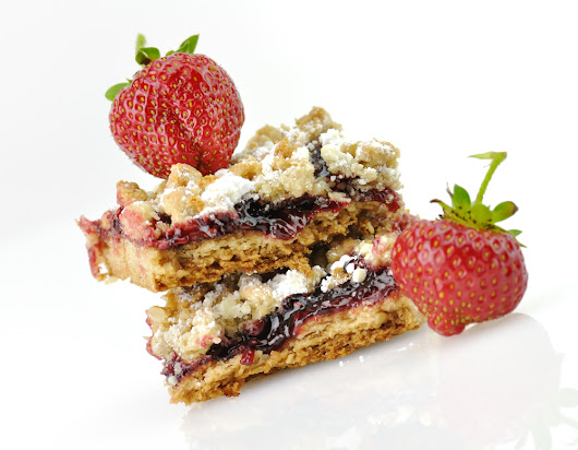 Recipe: Super Strawberry Bars for On-the-Go Breakfasts:Inside Children's Blog