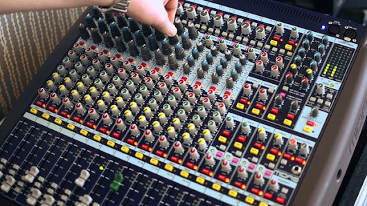 Audio 101: How to Use EQ in a Live Setting