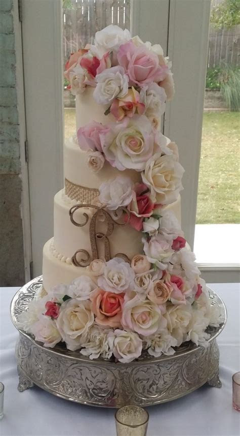 Wedding Cake Consultation: Schedule Your Custom Wedding