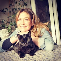 Tessa Gelisio con la sua gatta Eva