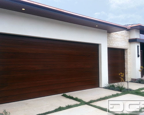 Modern Garage Doors in Custom Contemporary Designs and Mid ...