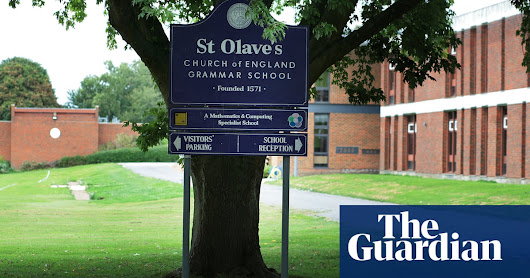Inquiry condemns school that barred A-level pupils | Education | The Guardian