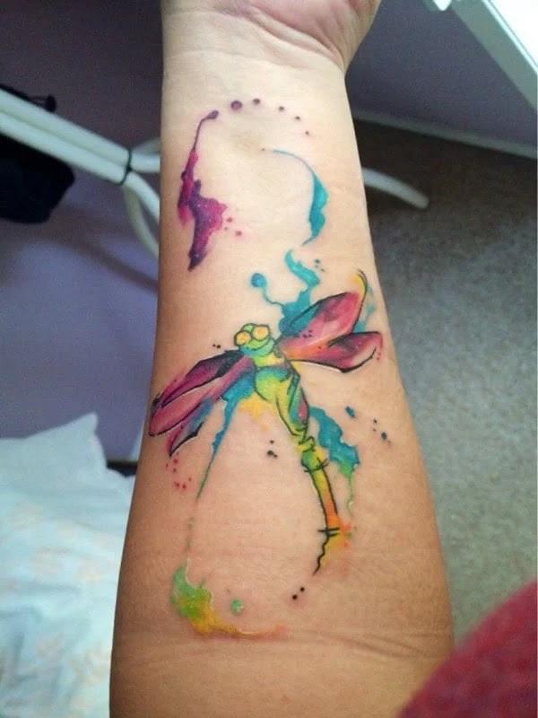 75 desenhos de tatuagem de libélula bonito e sexy 38 por Bryan