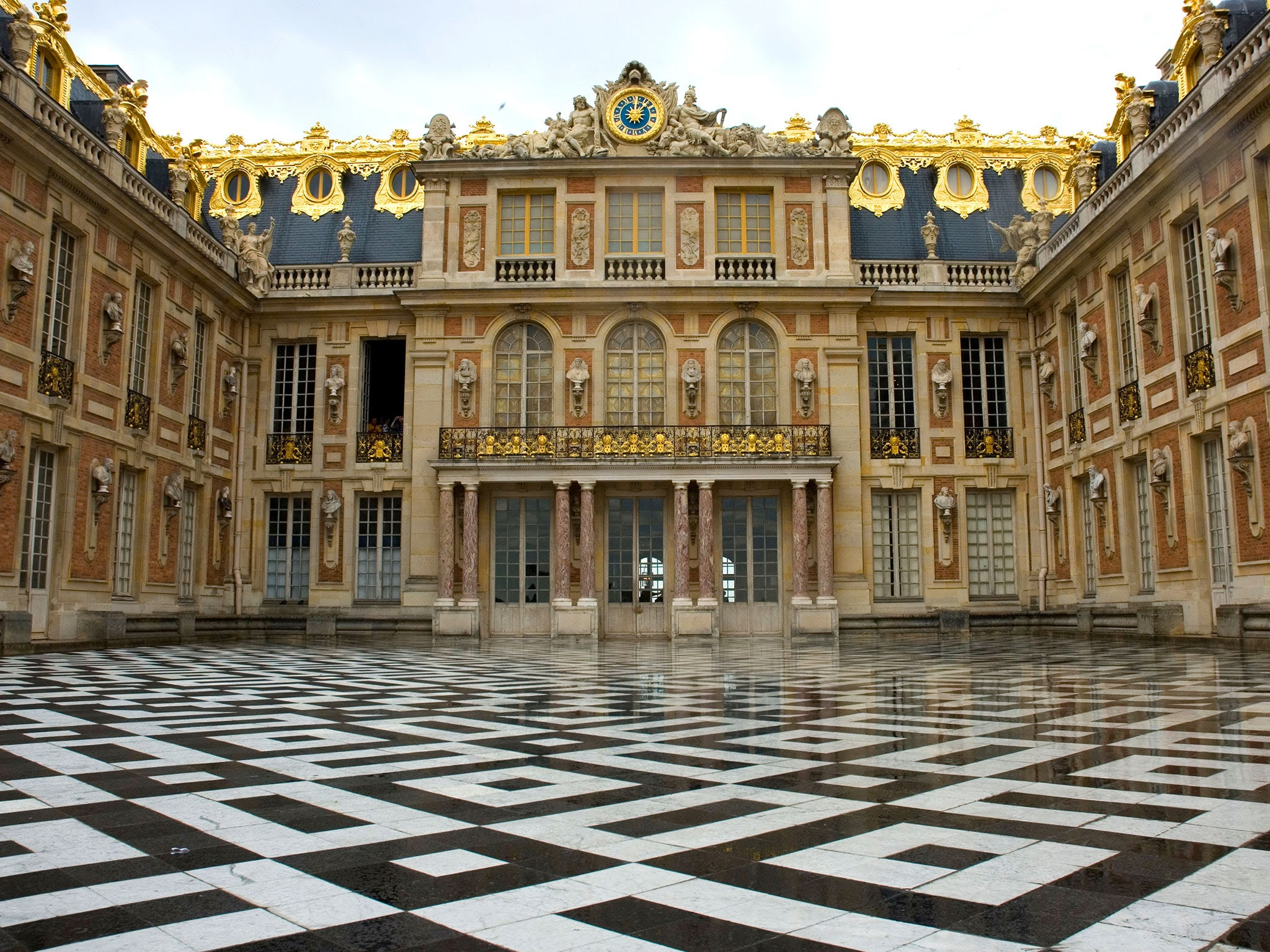 chateau versailles entrance