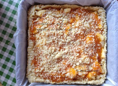 Crostata con mele e confettura di albicocche